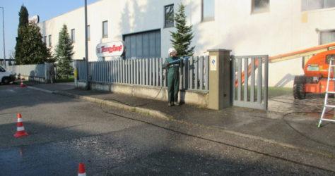 Muretto di recinzione in cemento e pietra 8