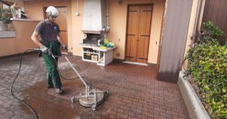 Come pulire il cortile di casa?